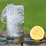 5 причин пить утром стакан воды натощак